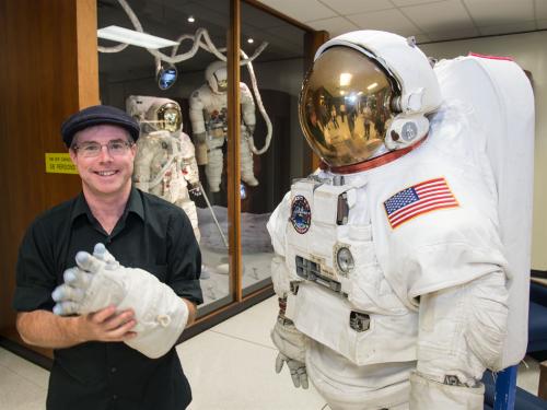 Andy_Weir_at_NASA_JSC
